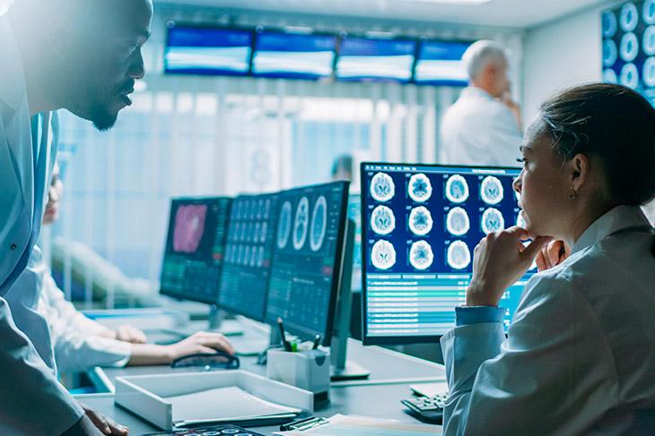 Quais são as exigências legais para abrir um laboratório de análises clínicas?