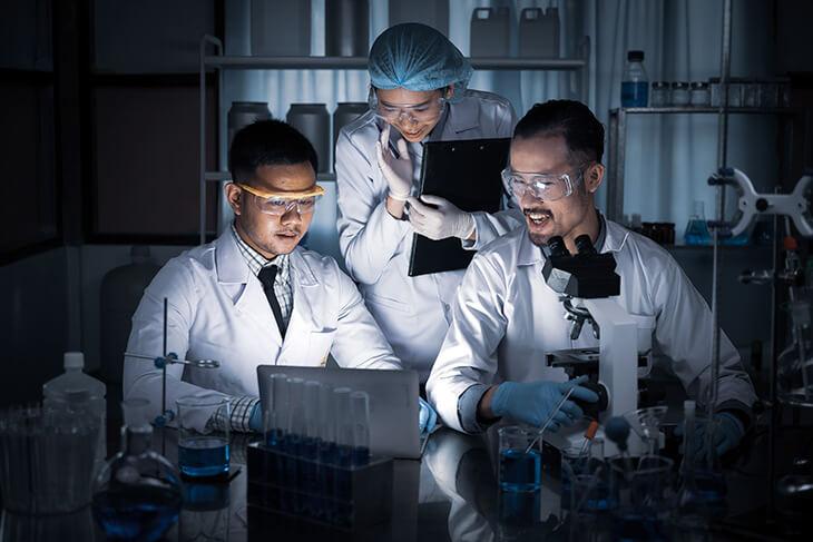 Como treinar a equipe do laboratório?