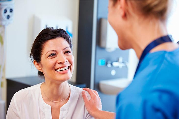 Benefícios gerais ao garantir a agilidade no laboratório de análises clínicas