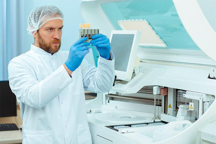 Equipamentos de laboratório de análises clínicas e suas funções