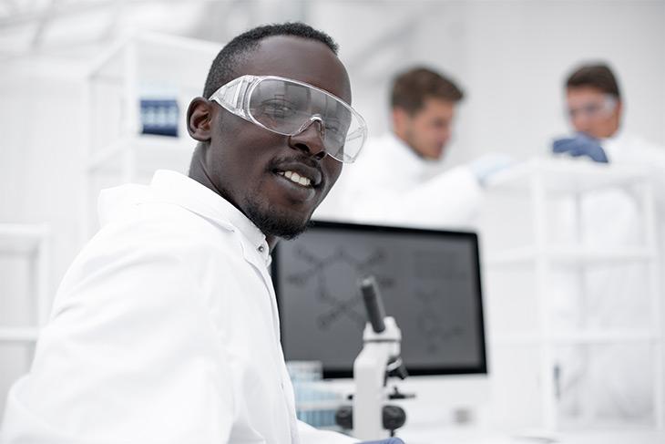 10 passos para otimizar a gestão laboratorial