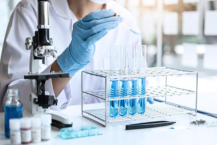 Agilidade e precisão no laboratório de análises clínicas