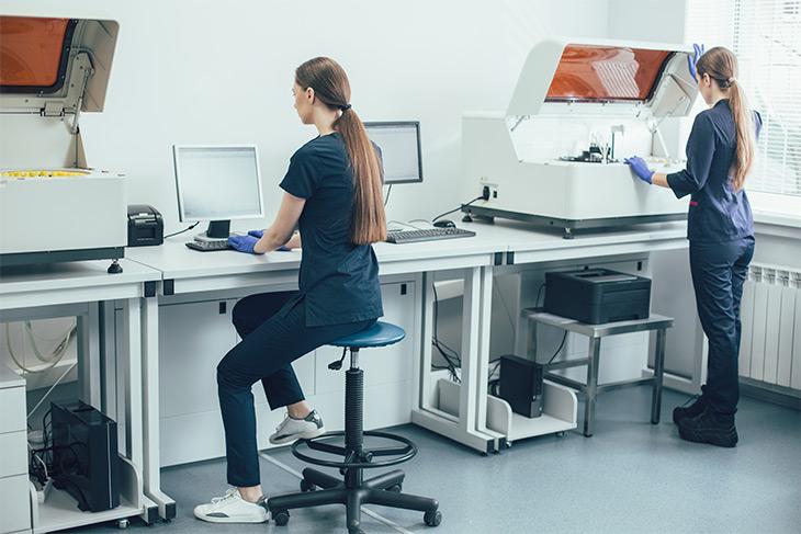 10 motivos para investir em soluções tecnológicas para laboratório
