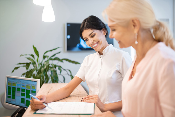 Como melhorar o relacionamento com o cliente no laboratório de análises clínicas?