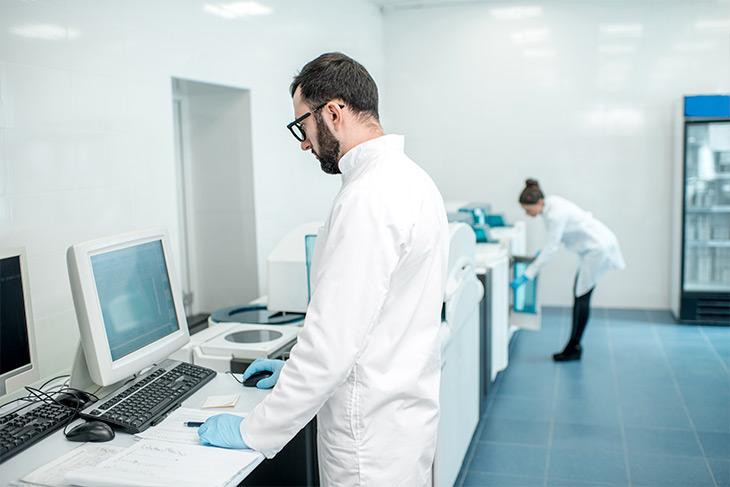 Automatize e integre a contabilidade do laboratório de análises clínicas