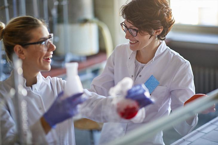 Saiba como reduzir as despesas do laboratório de análises clínicas